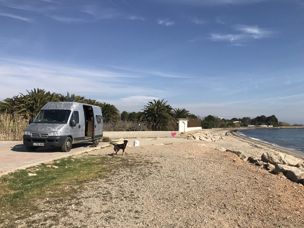 스페인의 어느 한적한 바닷가